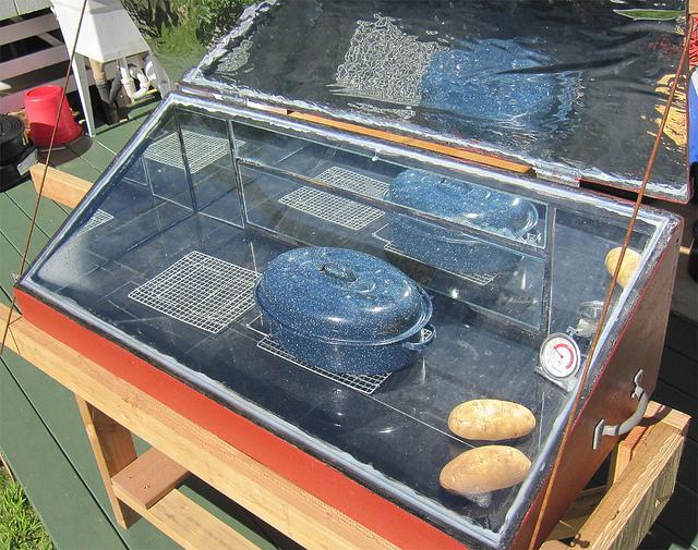 Erik Burton's Solar Oven